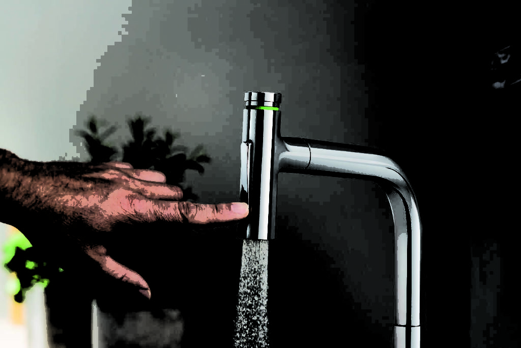 kitchen faucet smoothly with a touch